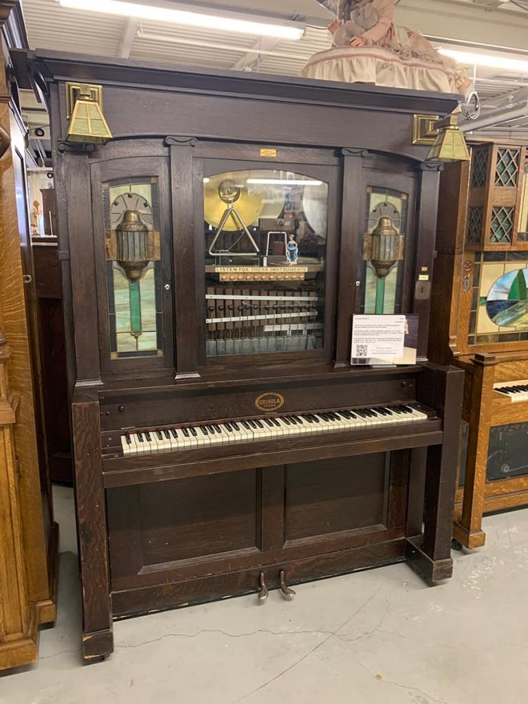 brown music box inside The American treasure Tour
